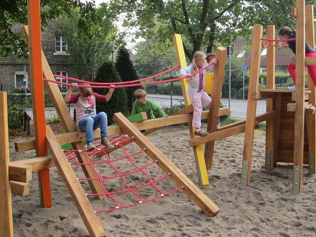 Klettergerüst Hangeln : Neues klettergerüst grundschule everswinkel