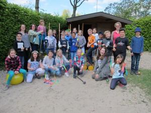 DANKE an den Förderverein der Grundschule Everswinkel: Stellvertretend für alle tun dies die Schülerinnen und Schüler der 4a.